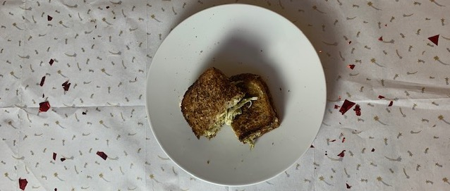 5 Ingredient Friday: Kip pesto tosti