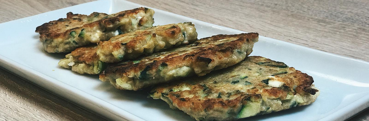 5 INGREDIENT FRIDAY: ZUCCHINI FRITTERS
